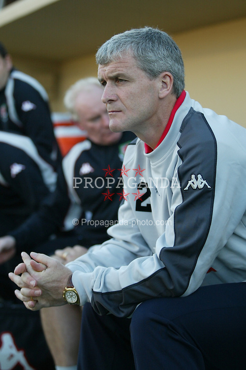 SAN JOSE, USA - Tuesday, May 27, 2003: Wales' manager Mark Hughes looks pensive before his side's 2-0 friendly defeat by USA at the Spartan Stadium. (Pic by David Rawcliffe/Propaganda)