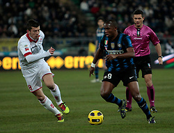 Bari (BA), 03-02-2011 ITALY - Italian Soccer Championship Day 23 - Bari VS Inter..Pictured: Eto'o (I) Donati (B).Photo by Giovanni Marino/OTNPhotos . Obligatory Credit