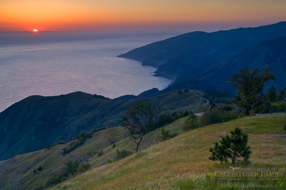 Sunset over the Pacific Ocean from the hills of the Ventana Wilderness, Los Padres National Forest, Big Sur coast, California Sunset over the Pacific Ocean from the hills of the Ventana Wilderness, Los Padres National Forest, Big Sur coast, California