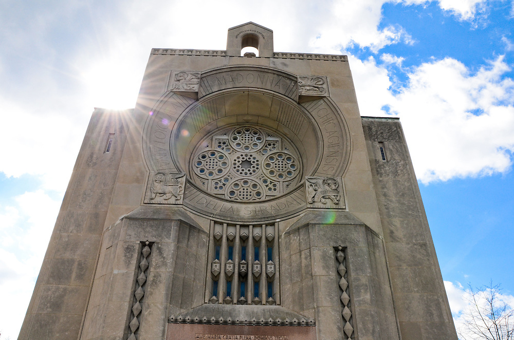 Madonna della Strada Chapel, Loyola University Chicago, Lake Shore Campus
