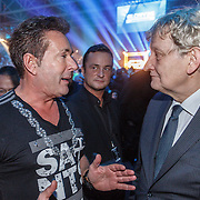 NLD/Amsterdam/20151204 - Freefightgala Glory26, Gerard Joling en burgemeester Eberhard van der Laan