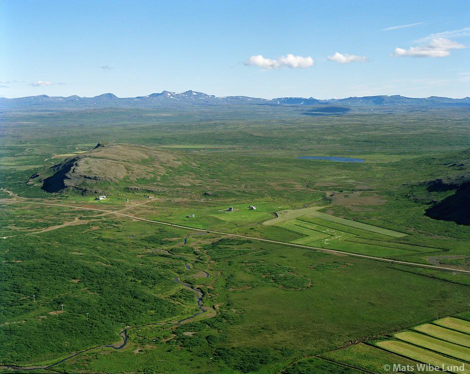 Breiðabólsstaður séð til austurs, Skógarstrandarhreppur / Breidabolsstadur viewing east, Skogarstrandarhreppur.