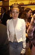 Daisy Bates. Christopher Bailey hosts a party to celebrate the launch of ' The Snippy World of New Yorker Fashion Artist Michael Roberts' Burberry, New Bond St.  London. 19  September 2005. ONE TIME USE ONLY - DO NOT ARCHIVE © Copyright Photograph by Dafydd Jones 66 Stockwell Park Rd. London SW9 0DA Tel 020 7733 0108 www.dafjones.com
