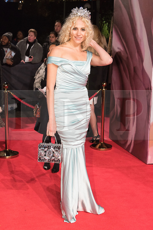 © Licensed to London News Pictures. 05/12/2016. PIXIE LOTT arrives for The Fashion Awards 2016 celebrating the best of British and international fashion. London, UK. Photo credit: Ray Tang/LNP