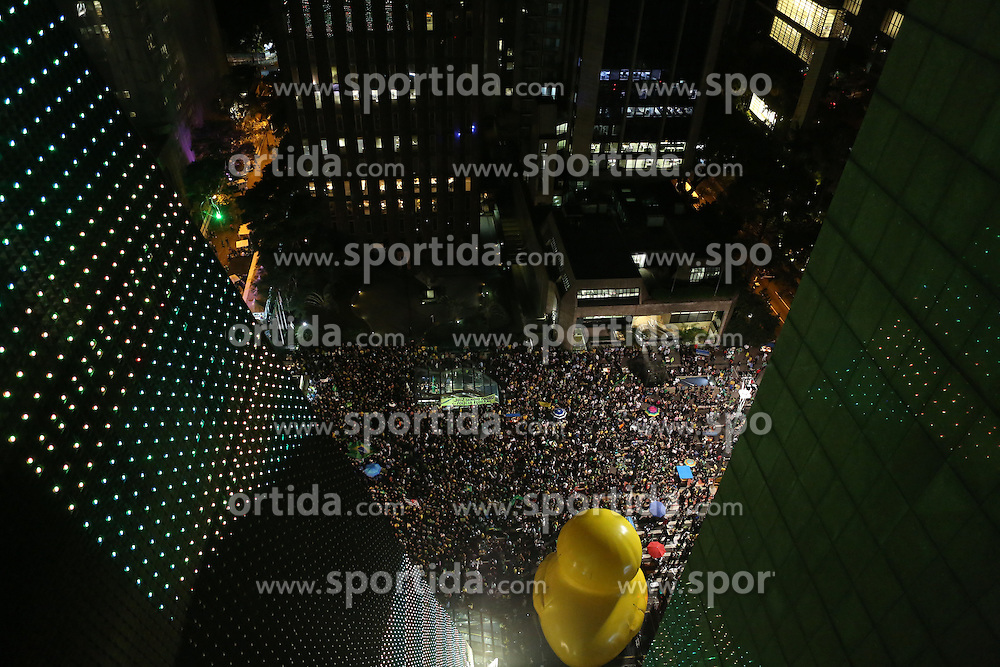 Demonstrators block the Paulista Avenue for more than 24 hours during a protest against the government of Brazilian President Dilma Rousseff, and against the appointment of former President Luiz Inacio Lula da Silva as cabinet chief in Sao Paulo, Brazil, on March 17, 2016. A Brazilian federal judge issued an injunction Thursday to suspend the new appointment of former President Luiz Inacio Lula da Silva as chief of staff in President Dilma Rousseff's cabinet, saying it prevented the free exercise of justice, according to local media. EXPA Pictures © 2016, PhotoCredit: EXPA/ Photoshot/ Rahel Patrasso<br /> <br /> *****ATTENTION - for AUT, SLO, CRO, SRB, BIH, MAZ, SUI only*****