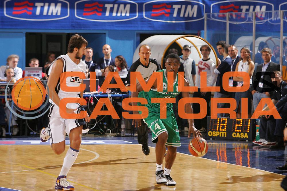 DESCRIZIONE : Milano Precampionato Lega A1 2006-07 Trofeo Tim <br /> GIOCATORE : Lyday <br /> SQUADRA : Benetton Treviso <br /> EVENTO : Precampionato Lega A1 2006-2007 Trofeo Tim <br /> GARA : Eldo Napoli Benetton Treviso <br /> DATA : 19/09/2006 <br /> CATEGORIA : Palleggio <br /> SPORT : Pallacanestro <br /> AUTORE : Agenzia Ciamillo-Castoria/S.Silvestri