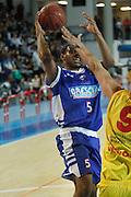 DESCRIZIONE : Frosinone Lega Basket A2 2011-12  Prima Veroli Centrle del Latte Brescia<br /> <br /> GIOCATORE : Ryan Thompson<br /> <br /> CATEGORIA : tiro<br /> <br /> SQUADRA : Centrale del Latte Brescia<br /> <br /> EVENTO : Campionato Lega A2 2011-2012<br /> <br /> GARA : Prima Veroli Centrale del Latte Brescia <br /> <br /> DATA : 18/03/2012<br /> <br /> SPORT : Pallacanestro <br /> <br /> AUTORE : Agenzia Ciamillo-Castoria/ A.Ciucci<br /> <br /> Galleria : Lega Basket A2 2011-2012 <br /> <br /> Fotonotizia : Frosinone Lega Basket A2 2011-12 Prima Veroli Centrale del Latte Brescia<br /> <br /> Predefinita :