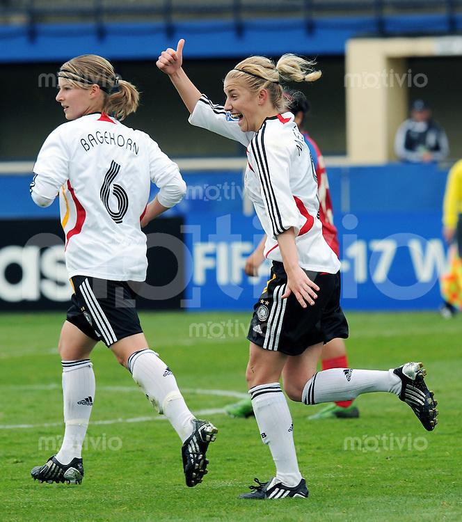 Fussball Frauen FIFA U 17  Weltmeisterschaft 2008     29.10.2008 Costa Rica - Deutschland JUBEL zum 0:1; Torschuetzin Lynn Mester (re,GER) und Marie-Louise Bagehorn (li,GER)