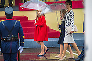 12-10-2016 MADRID - Spanish King Felipe VI, Queen Letizia and their daughters, Princesses Leonor and Sofia watch an army parade marking Spain's National Day in Madrid, Spain, 12 October COPYRIGHT ROBIN UTRECHT<br /> 2016/12/10 MADRID - Spaanse koning Felipe VI, koningin Letizia en hun dochters, prinsessen Leonor en Sofia kijken een miliatire leger parade markering Spaanse Nationale Dag in Madrid, Spanje, 12 oktober nationale feestdag Koningspaar Spanje bij parade nationale feestdag<br /> 12-10-2016<br /> Koning Felipe heeft in Madrid een militair defil&eacute; afgenomen ter gelegenheid van de nationale feestdag van Spanje. De koning werd op de eretribune vergezeld door koningin Letizia en hun dochters Leonor en Sofia, die voor de derde keer bij de parade aanwezig waren. COPYRIGHT ROBIN UTRECHT