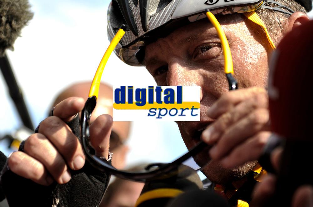CYCLING - TOUR DE FRANCE 2010 - AVORIAZ (FRA) - 11/07/2010 - PHOTO : VINCENT CURUTCHET / DPPI - <br /> STAGE 8 - STATION DES ROUSSES > MORZINE-AVORIAZ - LANCE ARMSTRONG (USA) / TEAM RADIOSHACK