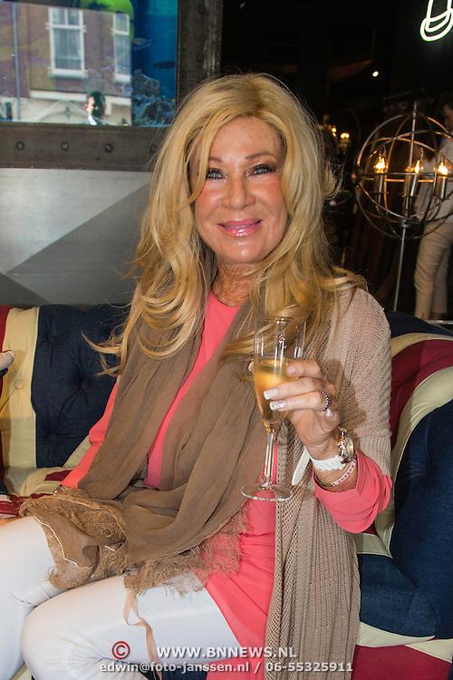NLD/Amsterdam/20140512 - Uitreiking Nannic Award 2014, Mary Borsato