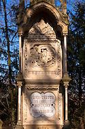 Europa, Deutschland, Koeln, altes Grab auf dem Melatenfriedhof.<br /><br />Europe, Germany, Cologne, old grave at the Melaten cemetery.