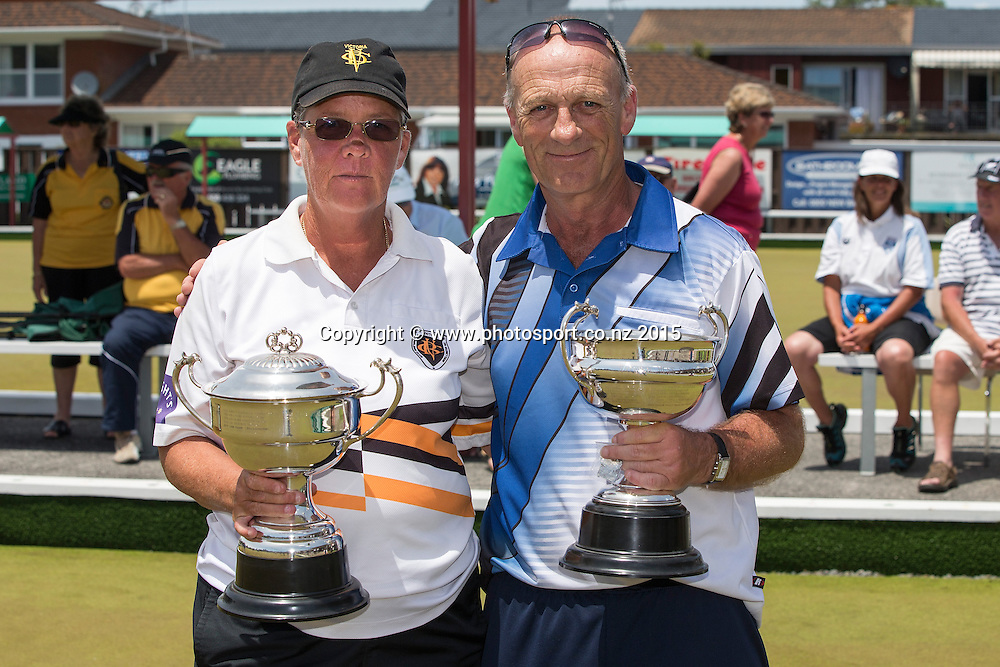 Victoria`s Leigh Griffin and Kaikorai`s Mike Kernaghan winners of the women`s and men`s singles at National Open Bowls Championship 2014, Browns Bay Auckland, New Zealand, Sunday, January 04, 2015. Photo: David Rowland/www.photosport.co.nz