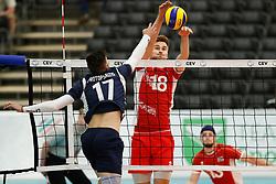 20170524 NED: 2018 FIVB Volleyball World Championship qualification, Koog aan de Zaan<br />Athanasios Protopsaltis (17) of Greece, Paul Buchegger (18) of Austria<br />©2017-FotoHoogendoorn.nl / Pim Waslander