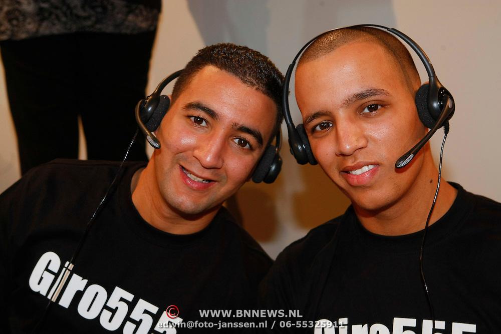 NLD/Hilversum/20100121 - Benefietactie voor het door een aardbeving getroffen Haiti, Mohammed Fouradi en Brahim Fouradi