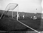 17/03/1958<br /> 03/17/1958<br /> 17 March 1958<br /> Soccer: League of Ireland v Irish League at Dalymount Park, Dublin.
