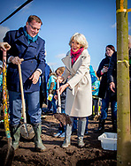 14-3-2018 HEILIGERLEE - Princess Irene plants a tree during the 62nd edition of the Tree Day the 62nd edition of the Boomfeestdag.Copyright Robin Utrecht<br /> BLAUWESTAD - Prinses Irene plant samen met Albert Verlinde een boom tijdens de 62-ste editie van de Boomfeestdag.  de 62-ste editie van de Boomfeestdag.
