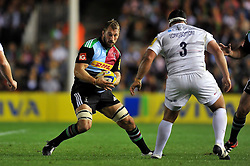 Chris Robshaw of Harlequins in possession - Photo mandatory by-line: Patrick Khachfe/JMP - Mobile: 07966 386802 12/09/2014 - SPORT - RUGBY UNION - London - Twickenham Stoop - Harlequins v Saracens - Aviva Premiership