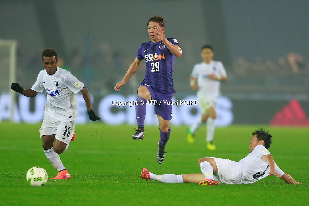 19, Micah Lea&rsquo;Alafa, 29, Takuma Asano (Hiroshima) and 3, Takuya Iwata (Auckland Fc) <br /> 2015 FIFA CLUB World Cup JAPAN,  Football Match <br /> Sanfrecce HIROSHIMA vs AUCKLAND City FC. 2:0<br /> Fee liable image, Copyright &copy;  ATP / Yoshi KOIKE -    <br /> <br /> Restrictions apply, no sales to - JAPAN