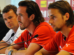 01.06.2011, Ernst Happel Stadion, Wien, AUT, EURO 2012 Qualifikation, Pressekonferenz Oesterreich,im Bild Co-Trainer Manfred Zsak, Christian Fuchs (AUT, #5) und Martin Harnik, (AUT, #19) // during the Press Conference, Ernst Happel Stadion, Vienna, 2011-06-01, EXPA Pictures © 2011, PhotoCredit: EXPA/ M. Gruber