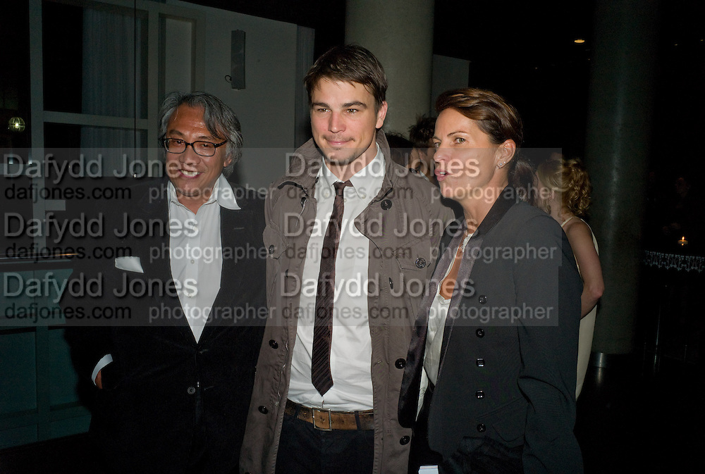 David Tang; Josh Hartnett; Lucy Tang, After party for the new production of ' The Rain Man' The Trafalgar Hotel London. 10 September 2008 *** Local Caption *** -DO NOT ARCHIVE-© Copyright Photograph by Dafydd Jones. 248 Clapham Rd. London SW9 0PZ. Tel 0207 820 0771. www.dafjones.com.