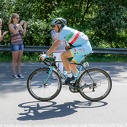 08-05-2016: Wielrennen: Giro: Arnhem<br /> ARNHEM (NED) wielrennen<br /> De tweede etappe van de voerde het peloton door de over Betuwe en de Liemers. Vicenzo Nibali