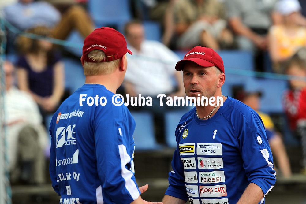 5.7.2012, Pihkala, Hyvink??..Superpesis 2012, Hyvink??n Tahko - Alaj?rven Ankkurit..Pelinjohtaja Matti Iivarinen - AA.