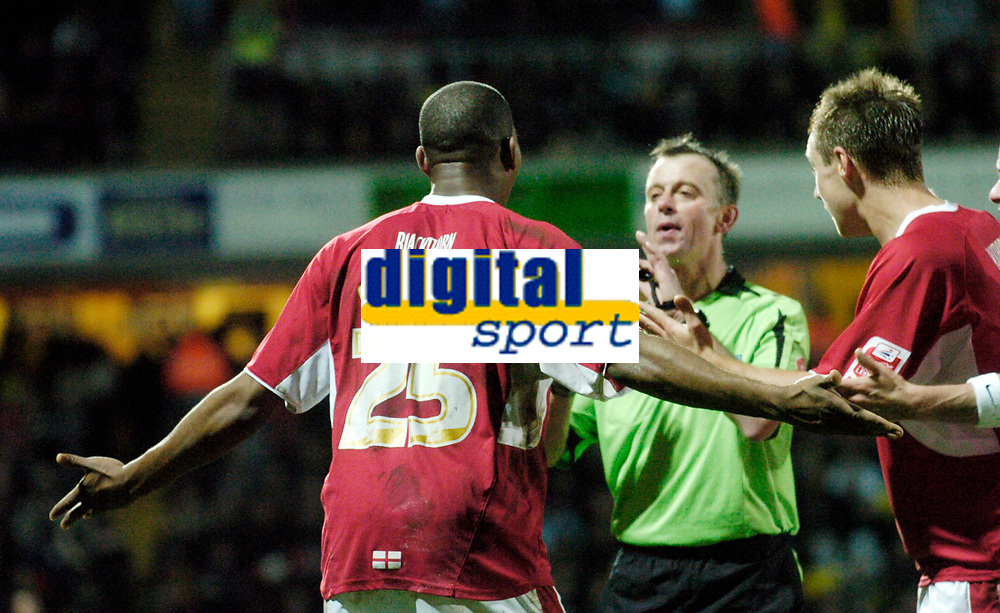 Photo: Leigh Quinnell/Sportsbeat Images.<br /> Watford v Bristol City. Coca Cola Championship. 01/12/2007. Bristol Citys Marvin Elliott appeals to referee P Joslin and gets him to change his mind.