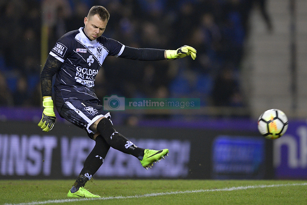 January 27, 2018 - Genk, BELGIUM - STVV's goalkeeper Kenny Steppe pictured in action during the Jupiler Pro League match between Racing Genk and STVV Sint-Truiden, in Genk, Saturday 27 January 2018, on the day 24 of the Jupiler Pro League, the Belgian soccer championship season 2017-2018. BELGA PHOTO YORICK JANSENS (Credit Image: © Yorick Jansens/Belga via ZUMA Press)