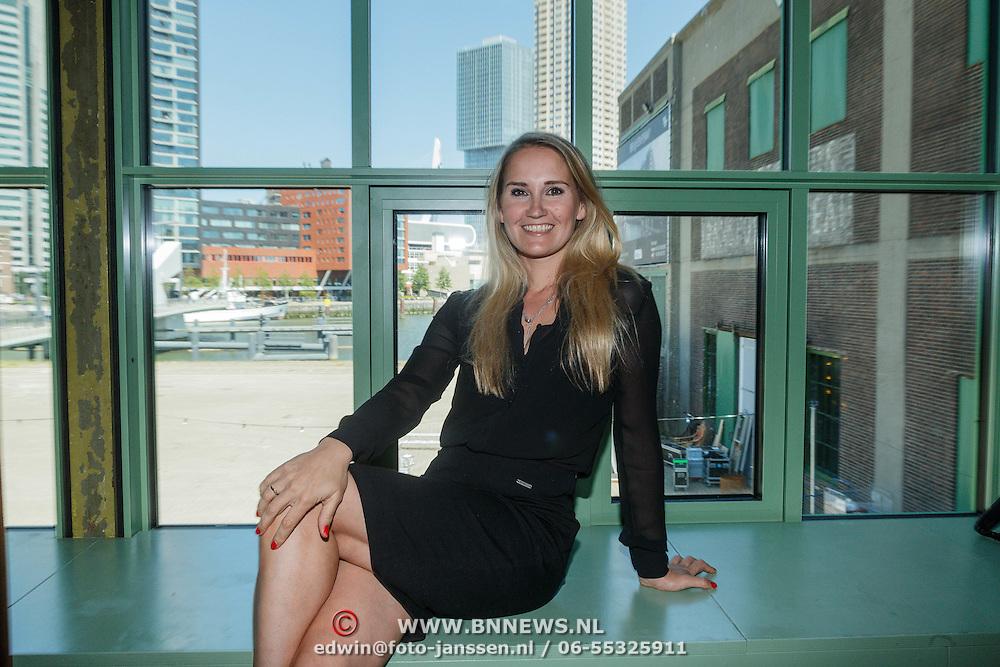 NLD/Rotterdam/20150604 - Perspresentatie Bar Oase, Peggy Vrijens