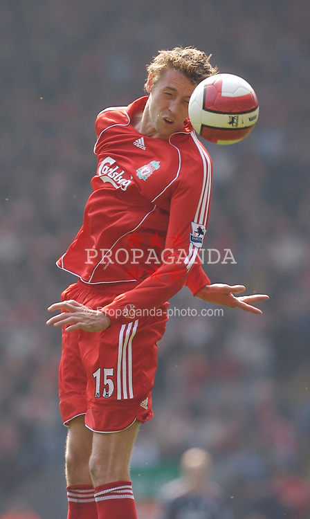 Liverpool, England - Saturday, March 3, 2007: Liverpool's hat-trick hero Peter Crouch in action against Arsenal during the Premiership match at Anfield. (Pic by David Rawcliffe/Propaganda)
