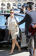 03.OCTOBER.2011. PARIS<br /> <br /> JESSICA BIEL BACK TO THE HOTEL RITZ AFTER ATTENDING THE GIAMBATTISTA VALLI FASHION SHOW  <br /> <br /> BYLINE: EDBIMAGEARCHIVE.COM<br /> <br /> *THIS IMAGE IS STRICTLY FOR UK NEWSPAPERS AND MAGAZINES ONLY*<br /> *FOR WORLD WIDE SALES AND WEB USE PLEASE CONTACT EDBIMAGEARCHIVE - 0208 954 5968*