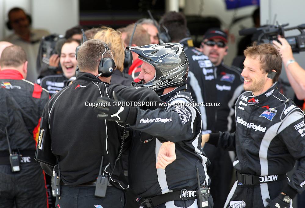 A1 Team New Zealand pit crew celebrate Jonny Reid's victory.Taupo, New Zealand. Sunday 20  January 2008. Photo: Andrew Cornaga/PHOTOSPORT
