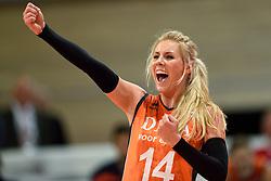 26-09-2015 NED: Volleyball European Championship Nederland - Slovenie, Apeldoorn<br /> Laura Dijkema<br /> Photo by Ronald Hoogendoorn / Sportida
