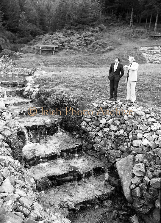 "The Carlingford Oyster Festival.1982.19.08.1982..08.19.1982.19th August 1982..Pictures and Images of the Carlingford Oyster Festival...The Minister For Fisheries and Forestry Mr Brendan Daly officially opened  The Carlingford Oyster Festival. The Chairman of the organising committee was Mr. Joe McKevitt..""The Oyster Pearl"" was Ms Deirdre McGrath..The Minister takes in the local sites accompanied by Mr McKevitt."