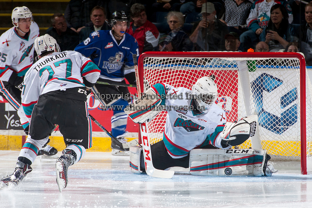 KELOWNA, CANADA - APRIL 14: Michael Herringer #30 of Kelowna Rockets makes a save during third period against the Victoria Royals on April 14, 2016 at Prospera Place in Kelowna, British Columbia, Canada.  (Photo by Marissa Baecker/Shoot the Breeze)  *** Local Caption *** Michael Herringer;