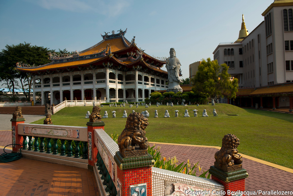 Singapore - The Buddhism Temple.
