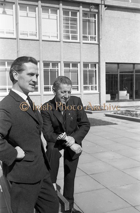 19/04/1963<br /> 04/19/1963<br /> 19 April 1963<br /> Esso staff at Esso Petroleum (Ireland) , Stillorgan, Dublin.  Tom Hayes (left) and Jimmy Duggan.