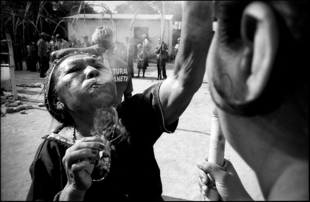DAILY VENEZUELA / VENEZUELA COTIDIANA.Ethnicity of the Ayamanes. The Turas of Moroturo, Lara State - Venezuela 2004.(Copyright © Aaron Sosa)