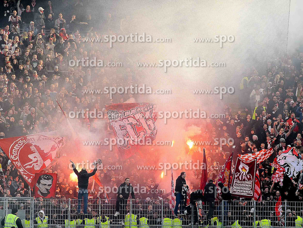 05.03.2011, Commerzbank-Arena, Frankfurt, GER, 1. FBL, Eintracht Frankfurt vs 1.FC Kaiserslautern, im Bild Pyro Technik im FCK Block, EXPA Pictures © 2011, PhotoCredit: EXPA/ nph/  Roth       ****** out of GER / SWE / CRO  / BEL ******