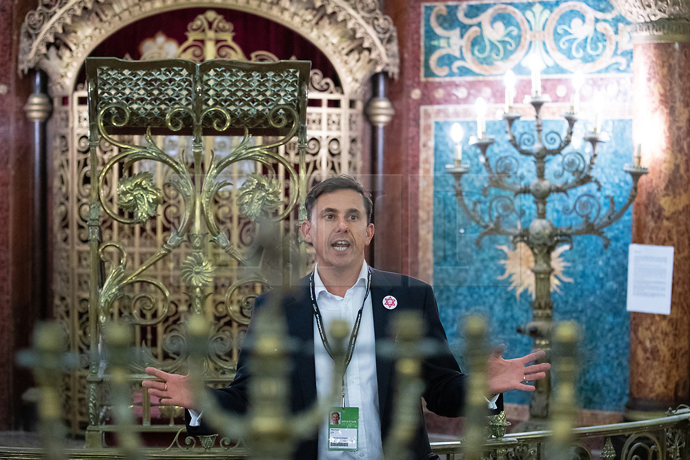 © Licensed to London News Pictures . 22/09/2019. Brighton, UK. MIKE KATZ speaks at a fringe event by the Jewish Labour Movement at middle Street Brighton Synagogue, during the second day of the 2019 Labour Party Conference from the Brighton Centre . Photo credit: Joel Goodman/LNP