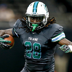 Aug 29, 2013; New Orleans, LA, USA; Tulane Green Wave running back Rob Kelly against the Jackson State Tigers during the first half of a game at the Mercedes-Benz Superdome. Mandatory Credit: Derick E. Hingle-USA TODAY Sports