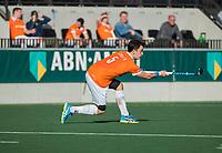 AMSTELVEEN - Tim Swaen (Bldaal)     tijdens de oefenwedstrijd tussen Amsterdam en Bloemendaal heren.   COPYRIGHT  KOEN SUYK