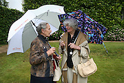 THE COUNTESS OF MARCH AND BRONWEN LADY ASTOR, Cartier Style et Luxe lunch. Goodwood.  24 June 2007.  -DO NOT ARCHIVE-© Copyright Photograph by Dafydd Jones. 248 Clapham Rd. London SW9 0PZ. Tel 0207 820 0771. www.dafjones.com.