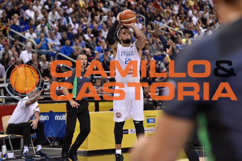 DESCRIZIONE : Berlino Berlin Eurobasket 2015 Group B Germany Germania - Italia Italy<br /> GIOCATORE : Daniel Hackett<br /> CATEGORIA : Tiro Tre Punti Three Point<br /> SQUADRA : Italia Italy<br /> EVENTO : Eurobasket 2015 Group B<br /> GARA : Germany Italy - Germania Italia<br /> DATA : 09/09/2015<br /> SPORT : Pallacanestro<br /> AUTORE : Agenzia Ciamillo-Castoria/GiulioCiamillo