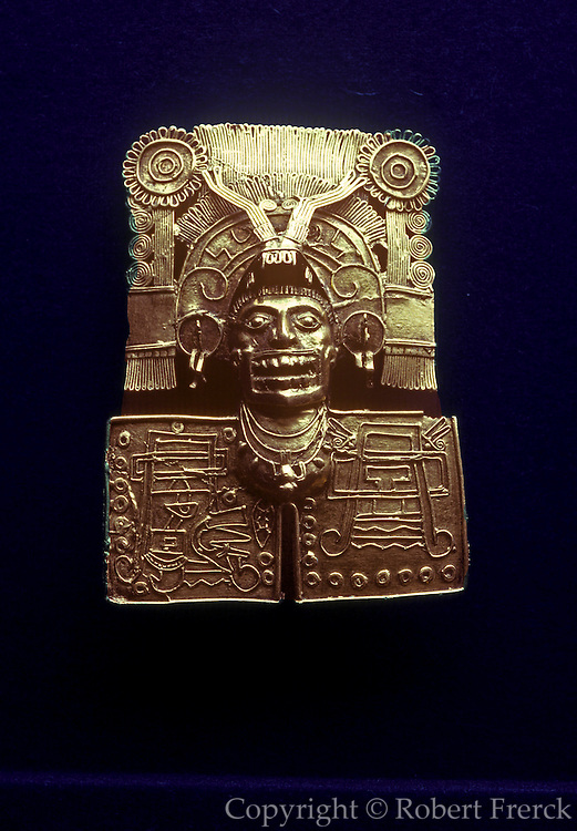 MEXICO, ZAPOTEC, OAXACA Monte Alban; gold pendant of god