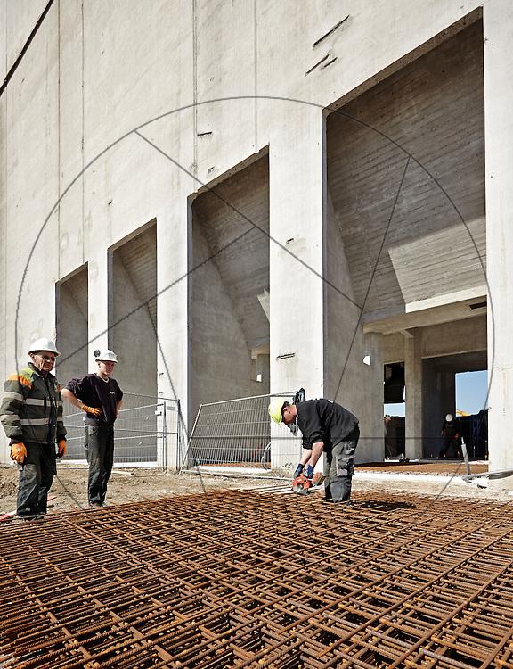 DLG-siloen Nordhavn, Unionkul, ombygning af kornsilo til luksuslejligheder, Klaus Kastbjerg, , By & Havns udstillingslokaler under renovering, , støbning af gulv, støbning af betongulv, støbning af cementgulv, bindejern , facade