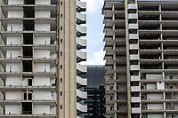 LE TORRI<br /> THE TOWERS