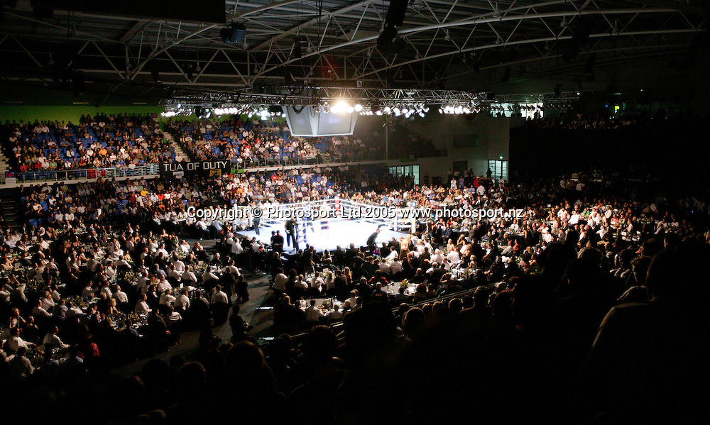 David Tua v Talmadge Griffis heavyweight fight for title contention at Waitakere Trusts stadium, West Auckland, 31 March, 2005.<br /><br /><br />Photograph by Adrian Malloch/Photosport