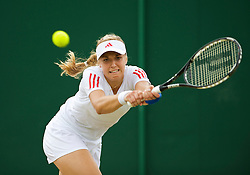 LONDON, ENGLAND - Monday, June 29, 2009: Sabine Lisicki (GER) during the Ladies' Singles 4th Round match on day seven of the Wimbledon Lawn Tennis Championships at the All England Lawn Tennis and Croquet Club. (Pic by David Rawcliffe/Propaganda)